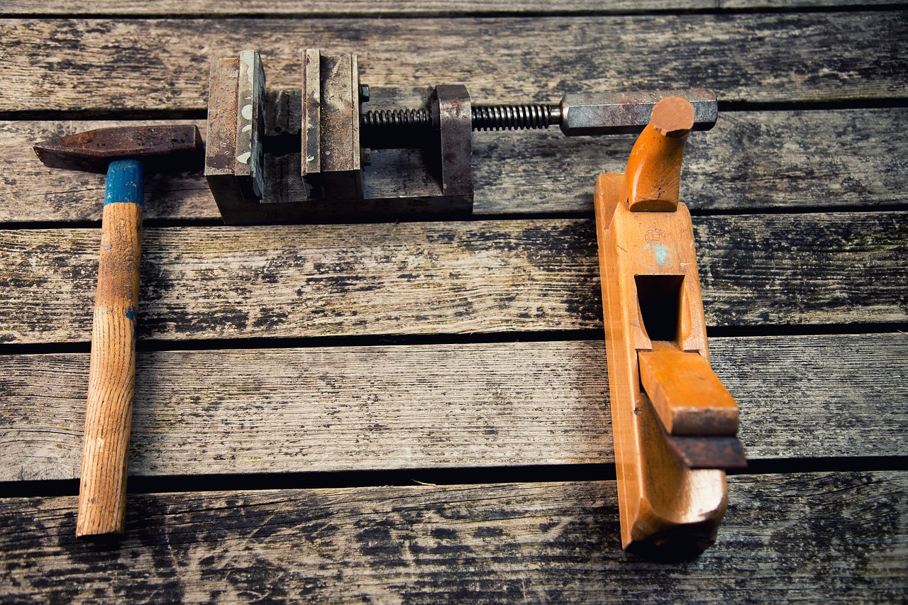 Quels outils indispensables et pas chers pour le bricolage à la maison ?